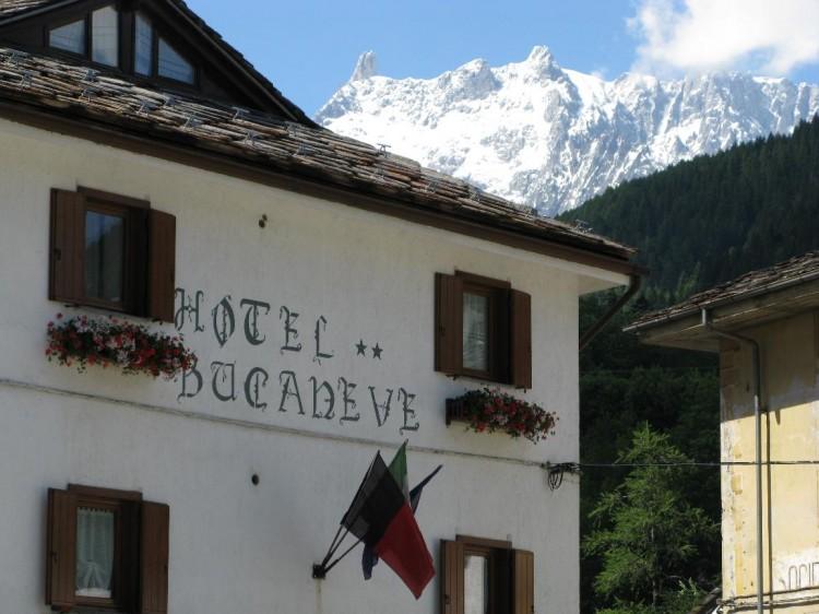 hotel-bucaneve-esterno (2)