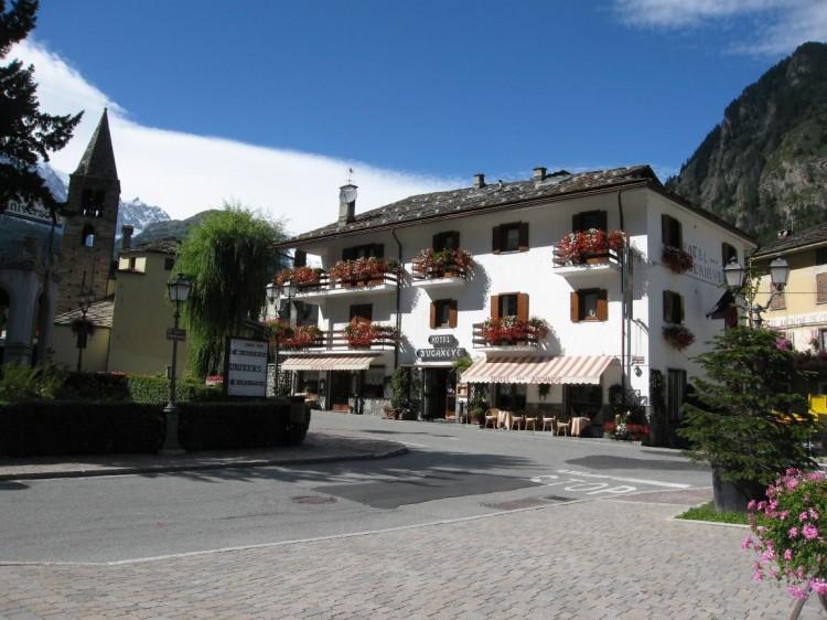 hotel-bucaneve-esterno (3)